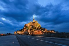 Le Mont Saint-Michel at twilight Stock Images