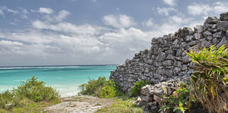 Beautiful view of Tulum Mayan Ruins.  Royalty Free Stock Photography
