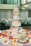 A beautiful wedding cake Stock Images