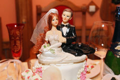 Beautiful wedding cake on the table Royalty Free Stock Photos