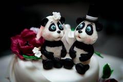Free Beautiful White Wedding Cake With Animal Figures Stock Image - 91337811