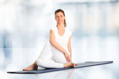 Beautiful woman doing yoga Royalty Free Stock Photography