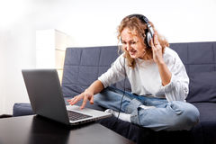Beautiful woman listening to music Royalty Free Stock Photography