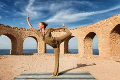 Beautiful woman practicing yoga Royalty Free Stock Photography