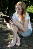 Beautiful woman reading Royalty Free Stock Photo