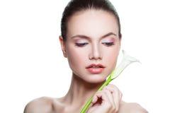 Beautiful Woman Spa Model met Verse Zuivere Huid Stock Afbeeldingen