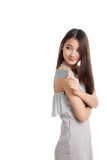 Beautiful young Asian woman hold a blank card Royalty Free Stock Photography
