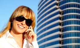 Beautiful young woman speaking the phone Royalty Free Stock Photography