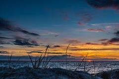 Beautiful zonsondergang bij Oostzee Royalty-vrije Stock Afbeeldingen