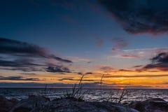Beautiful zonsondergang bij Oostzee Stock Afbeeldingen