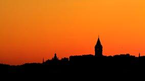Beautifull日落在伊斯坦布尔,有加拉塔塔的土耳其 免版税库存图片