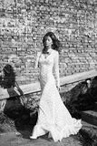 Beautifull woman in white dress posing outdoor Royalty Free Stock Photography