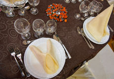 Beautifully arranged wedding table Royalty Free Stock Photography