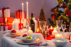 Beautifully set table for Christmas Eve Royalty Free Stock Photos