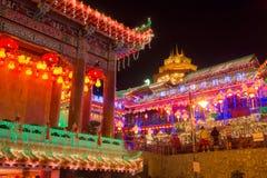 Beautifully tänd-upp Kek Lok Si tempel i Penang royaltyfria foton