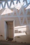 Beautifuly adornó la mezquita interior Foto de archivo libre de regalías