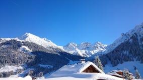 Beautiluf delle alpi della montagna della neve dell'Austria di inverno Immagini Stock