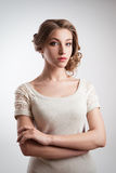 Beautiul blondynki potomstw panna młoda abstrakcjonistyczna sztandaru mody fryzury ilustracja fotografia stock