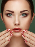 Beauty brunette woman with perfect makeup Royalty Free Stock Photo