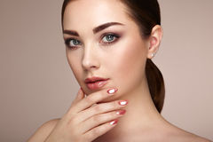 Beauty brunette woman with perfect makeup Royalty Free Stock Images