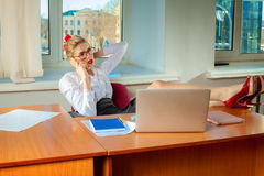 Beauty business woman talking on mobile phone Royalty Free Stock Photography