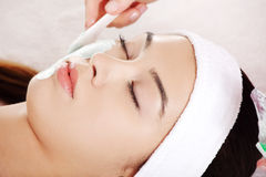 Beauty treatment in spa salon. Royalty Free Stock Images