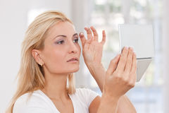 Beauty woman making-up Royalty Free Stock Photography