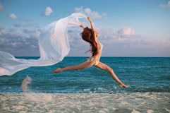 Beauty woman on sea Royalty Free Stock Photography