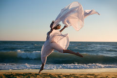 Beauty woman with white dress Royalty Free Stock Images