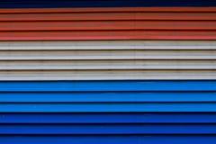 Beautyful锌金属红色,蓝色,白色或者纹理 库存图片