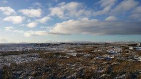 Beautyful blauwe hemel en witte Sneeuw in de Dallen, Swal stock foto