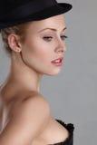 Beautyl白肤金发的少妇 免版税库存图片