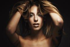 Beautyportrait van jonge sexy vrouw stock foto