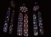 Beauvais gotisk domkyrka - målat glass royaltyfri bild
