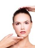 beauvoir 完善的面孔明白皮肤 健康妇女 免版税库存图片