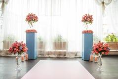 Beaux éléments de décoration de conception de cérémonie de mariage avec la voûte, Photo stock
