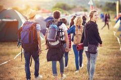 Beaux ados au festival d'été Photos libres de droits