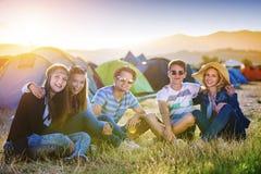 Beaux ados au festival d'été Image libre de droits
