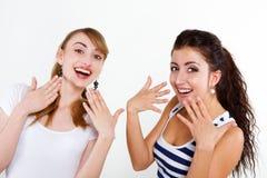 Beaux amis de femmes heureux Images libres de droits