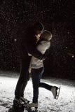Beaux, attrayants couples sur la patinoire Photos stock