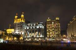 Beaux bâtiments la nuit Image stock
