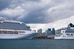 Beaux bateaux dans le port de Miami Photos stock