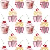 Beaux beaux petits gâteaux délicieux savoureux délicieux mignons tendres lumineux du dessert deux d'été avec la cerise rouge Photo stock