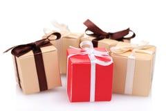 Beaux cadeaux avec des proues Photographie stock