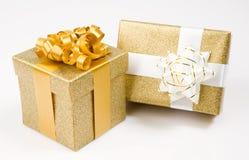 Beaux cadeaux d'or Photographie stock