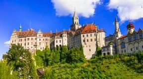 Beaux châteaux allemands Sigmaringen impressionnant au-dessus de roche Points de repère de l'Allemagne image stock