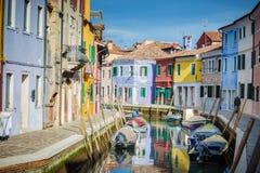 Beaux coins de la lagune de Venise et de Burano dans l'afte Photos stock