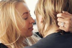 Beaux couples Photos libres de droits