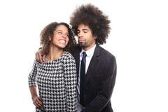 Beaux couples d'amour devant un fond blanc faisant des expressions Photos libres de droits