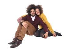 Beaux couples d'amour devant un fond blanc faisant des expressions Images libres de droits